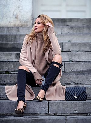 URBAN CHIC IN CAMEL Image